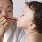 Syringes Better than Cups for Kid's Med Dosing